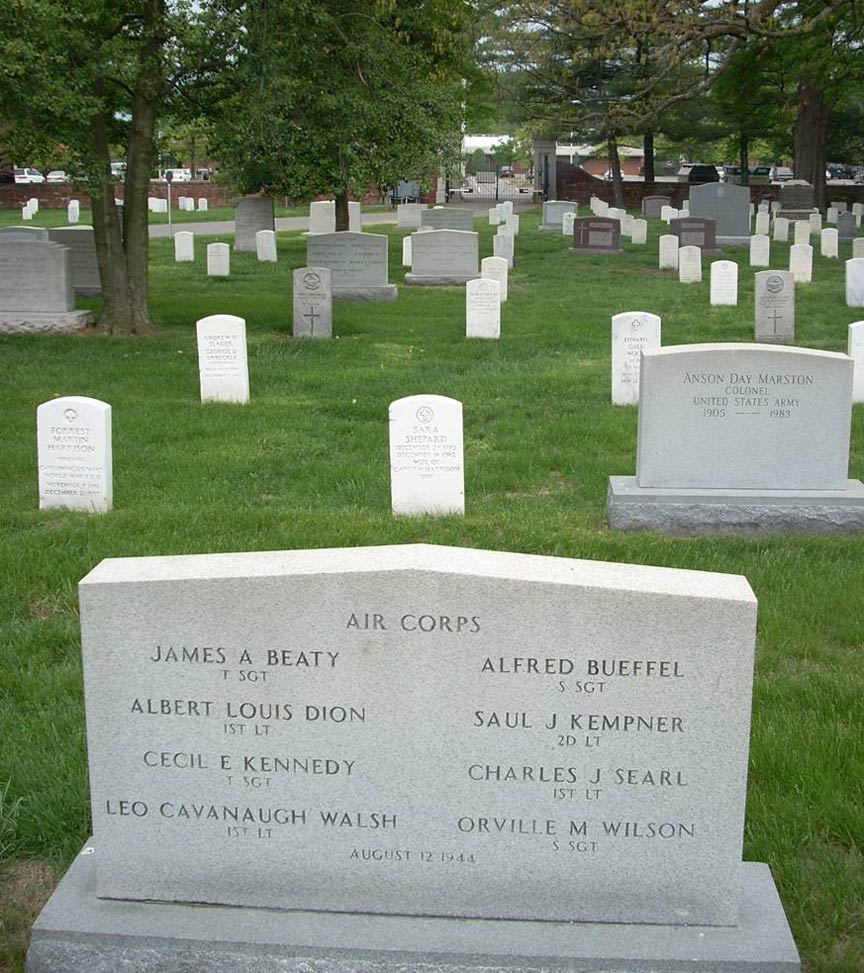 Searle S Crew S Graves At Arlington National Cemetery